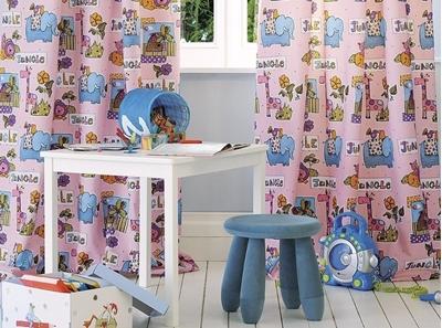 шторы с ярким принтом в детскую