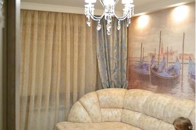 бирюзовые шторы в гостиную