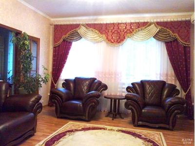 ламбрекен в гостиную на два окна