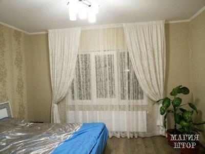 белые шторы в спальню