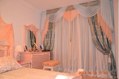 красивые шторы с ламбрекеном в спальню