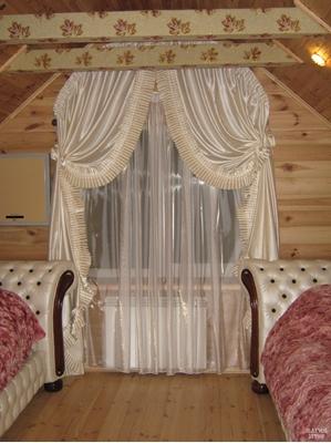светлые шторы со складами