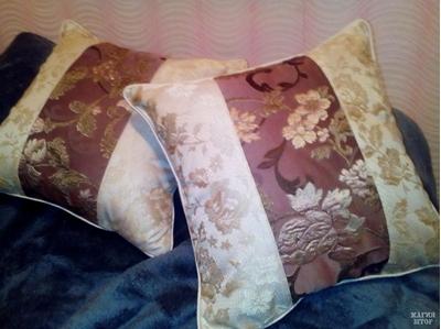комплект подушек в спальню