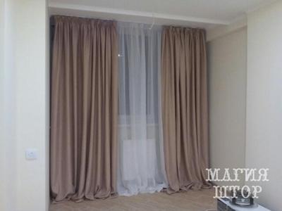 однотонные шторы в спальню