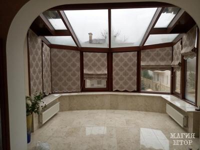 римские шторы с фигурным низом в зимний сад на заказ