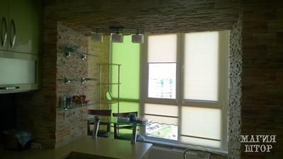 рулонные шторы с фигурным низом двухцветные