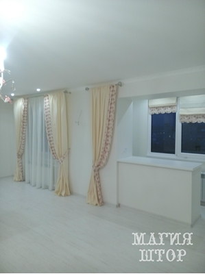 светлые шторы в гостиную